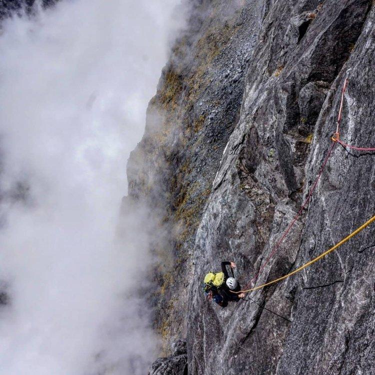 Escalade dans les Darren's mountain, NZ. Voie Lucky Strike