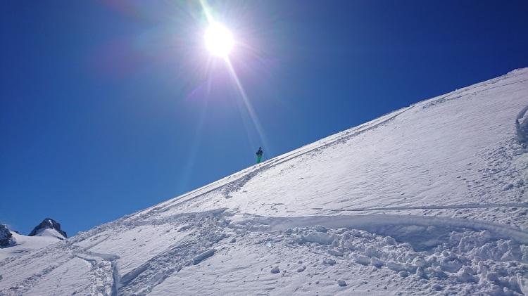 Beau temps belle neige sur cette descente