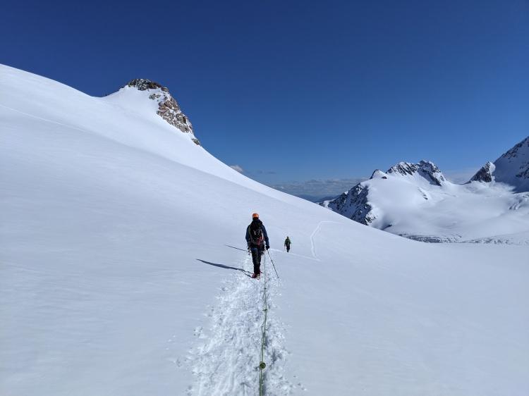 Progression encordée sur glacier