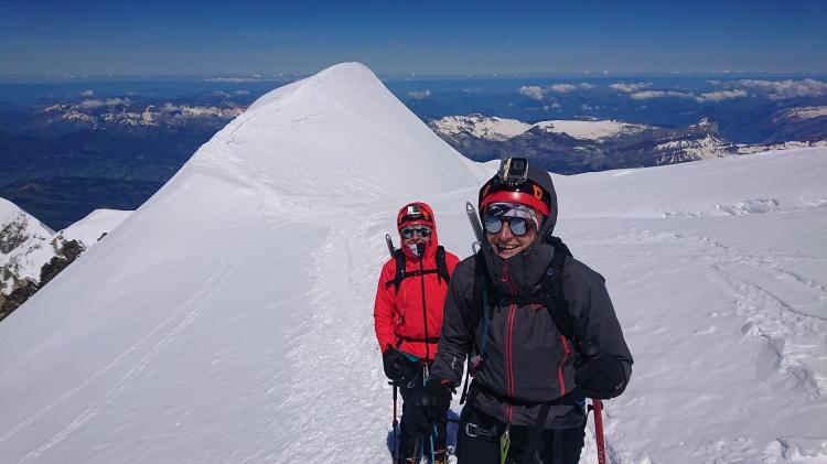 En route pour le sommet du Mont Blanc